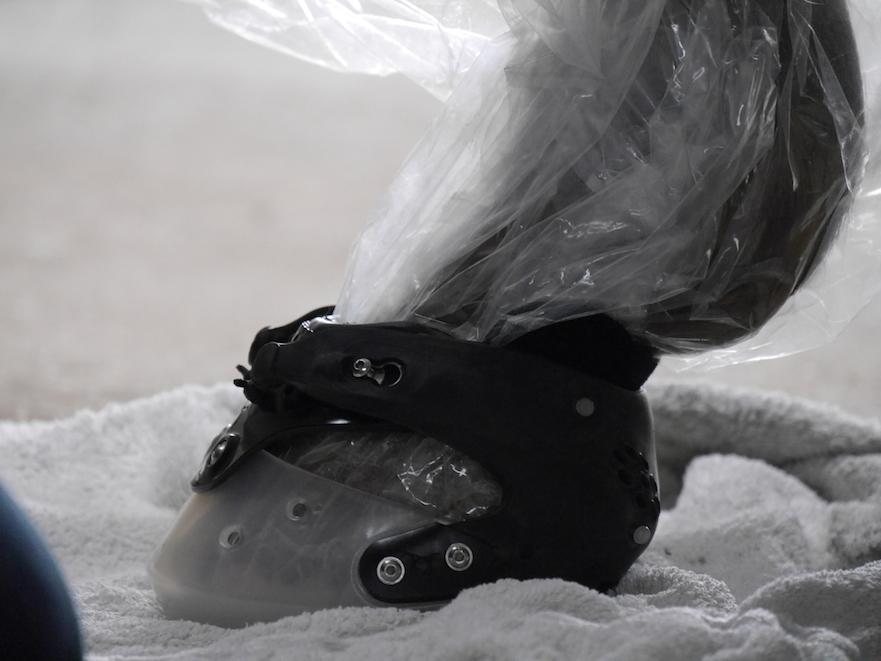 hoefschoenen passen op een handdoek
